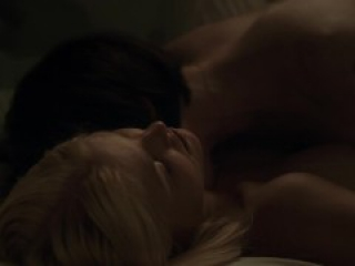 Alexandra Breckenridge, Whitney Able - Dark (2015)