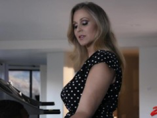 Julia Ann Likes Huge Black Meat Rod