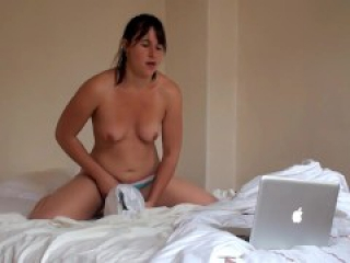 Horny Teen Riding a Pillow while watching Porn